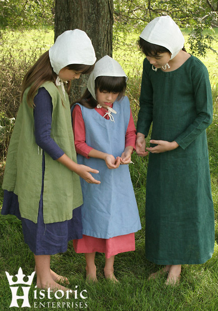 Clothing set, Child's (Smock, Surcoat, Coif), Linen