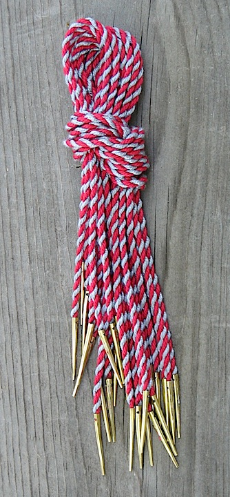 Points, hand made, red/grey, stripe