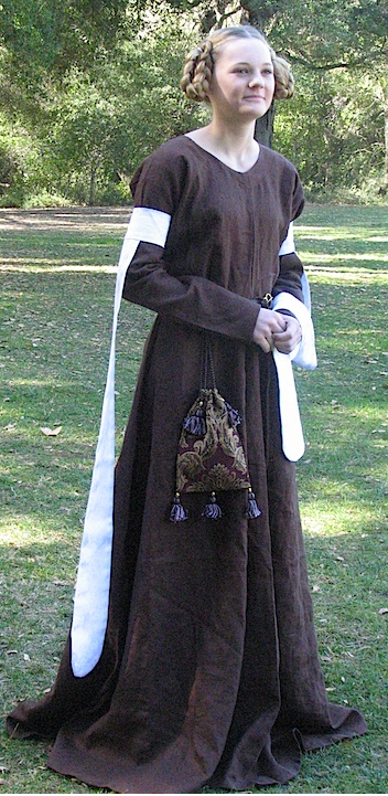 Outfit, Ladies Kirtle & Tippets